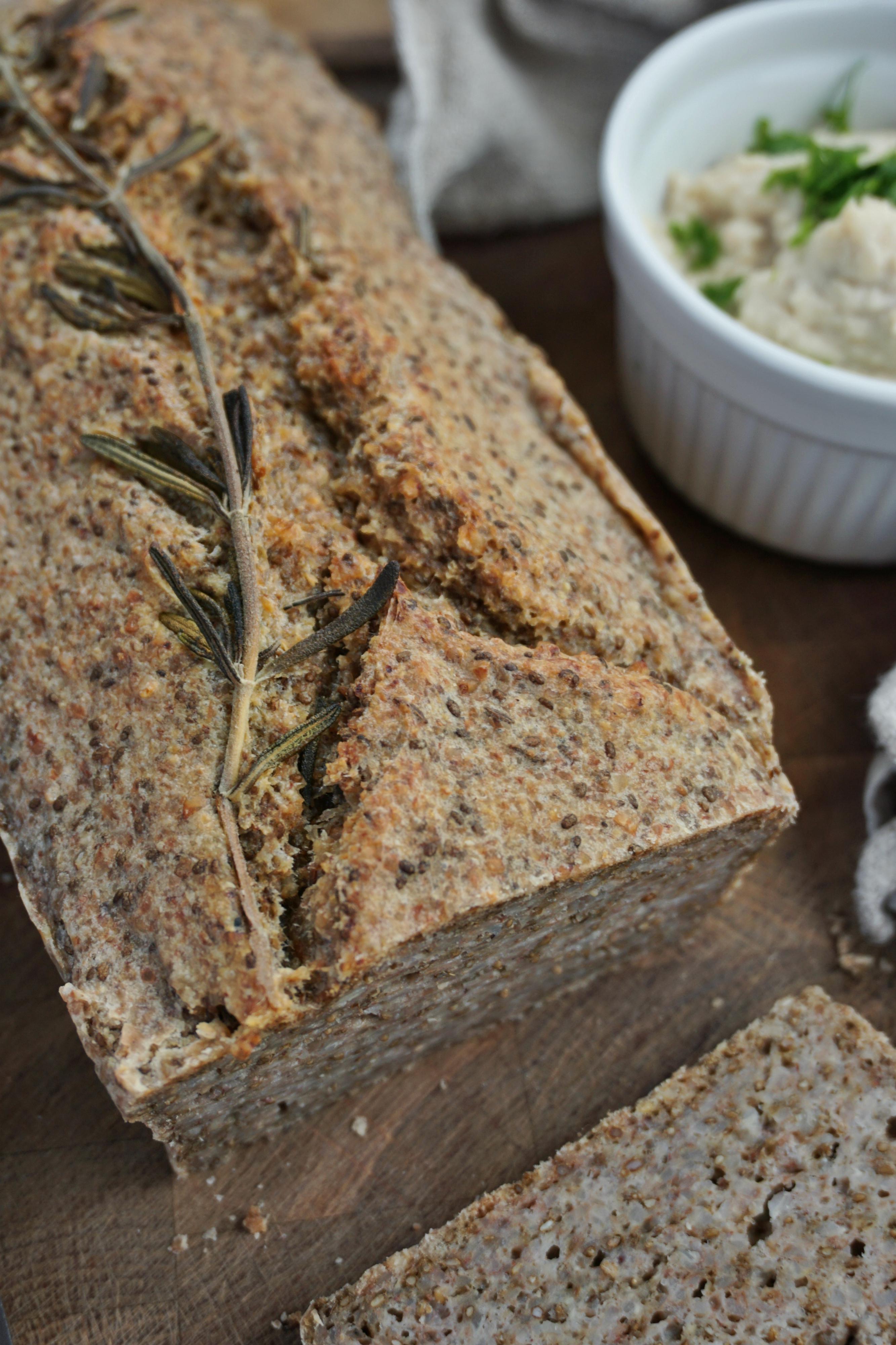 Grikių ir chia sėklų duona (be glitimo)